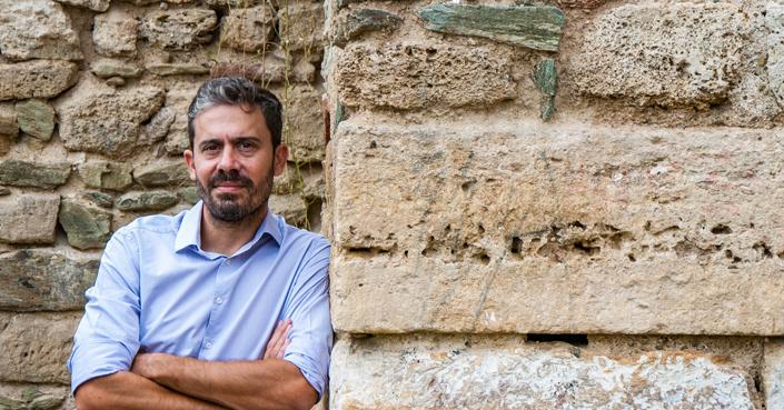 Ο Θόδωρος Παπακώστας aka archaeostoryteller στο deBόp!