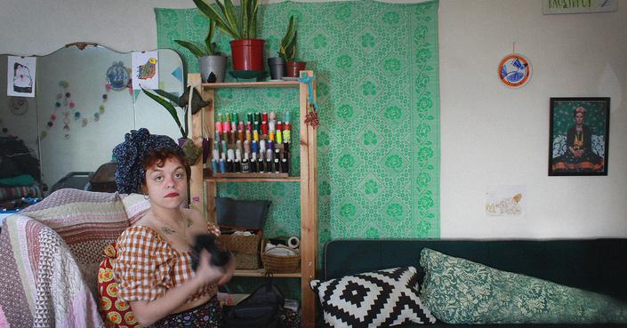 Klostirou | Συζητώντας με την δημιουργό του πιο πολύχρωμου εργαστηρίου ραπτικής