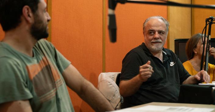 Ο Θωμάς Μοσχόπουλος μιλά για το ραδιοφωνικό του έργο «Οι Δελφίνοι ή Καζιμίρ και Φιλιντόρ»