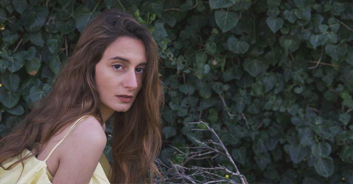 Η Σίλια Κατραλή πιστεύει στην αγάπη | Μία συνέντευξη με ένα πολλά υποσχόμενο κορίτσι της μουσικής και της τέχνης