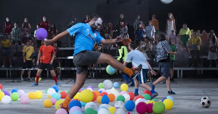 Είδαμε: Soccer opera στο Φεστιβάλ Αθηνών / Ώρα για ποδόσφαιρο και...όπερα!