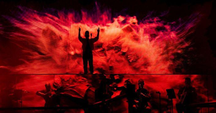 Είδαμε: WOODKID στο Ηρώδειο | Ένα μοναδικό one man show!