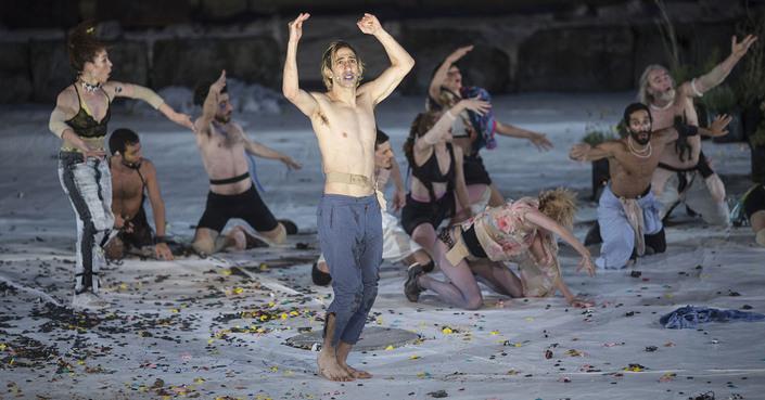 """Είδαμε """"Ιχνευταί"""" του Σοφοκλή σε σκηνοθεσία Μ. Μαρμαρινού / Ένα εντελές παραμύθι"""