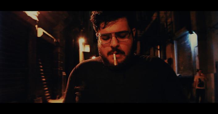 O Jef Maarawi παρουσιάζει το νέο του βίντεο «Consume Me»